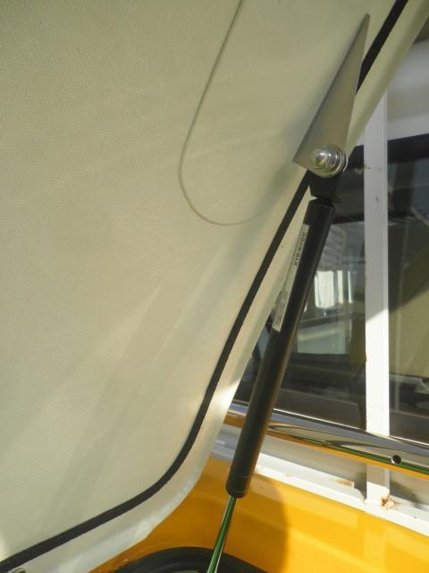 軽トラ荷台ボックス トラボに使用 信頼のカヤバ製ガススプリング