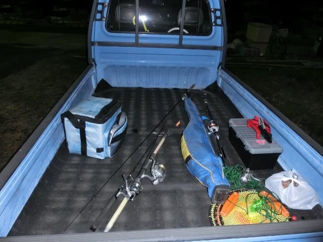 軽トラ荷台釣り道具①