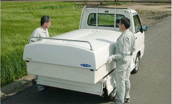 軽トラ荷台ボックス「トラボ」 特徴 その① のせるだけで搭載完了